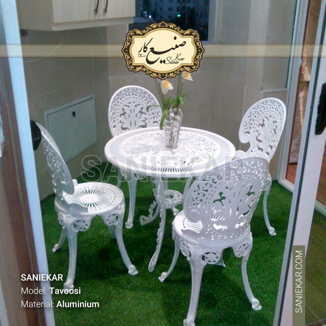 صندلی طاووسی سفید تراس